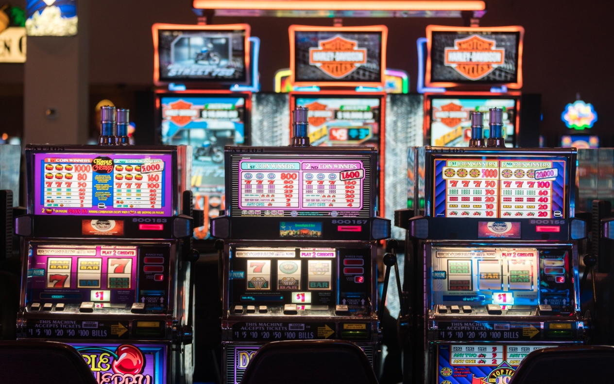 222 Free Casino Spins at Royal Vegas Casino