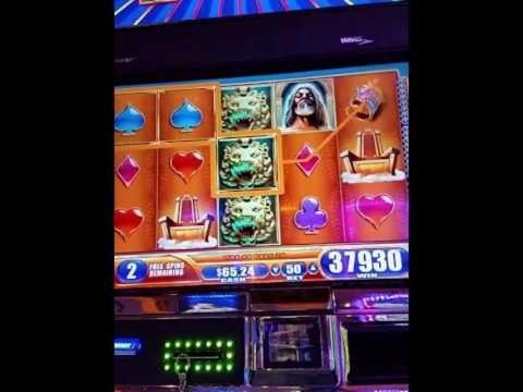 190 Free Spins Casino at Royal Vegas Casino